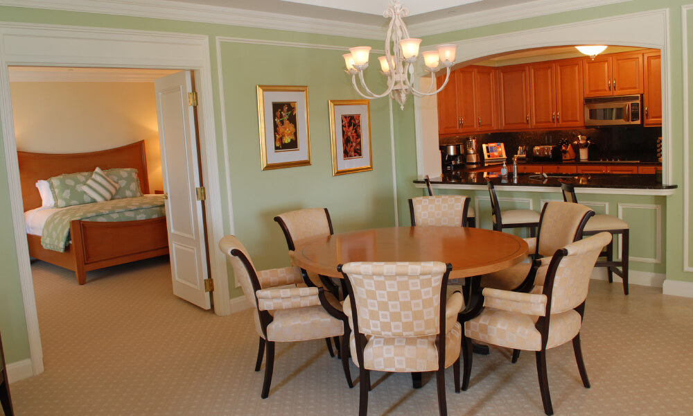 304-dining-room-before